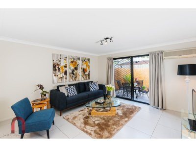Living_Room_043_Camp_Hill_Boongall